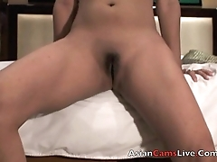 Asian Webcam Model Finger fucks her Filipina pussy in motel for men