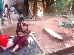 bathing aunty realy