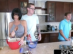 Lonely MILF Veronica Avluv Wants Banana with the addition of Gets Some From Behind