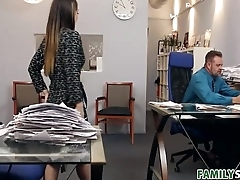An Ideal Employee - Bambi Brooks - FamilyStrokes