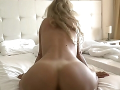 Amazing ass gets fucked in the hotel