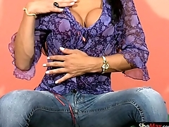 Black hair Latina shedoll strips lacking tight jeans and strokes