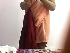reema aunty changing.MOV
