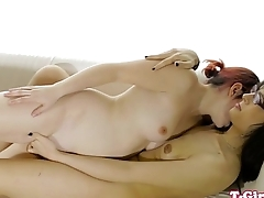 Spex tgirl fingerfucks beauty and gets jerked